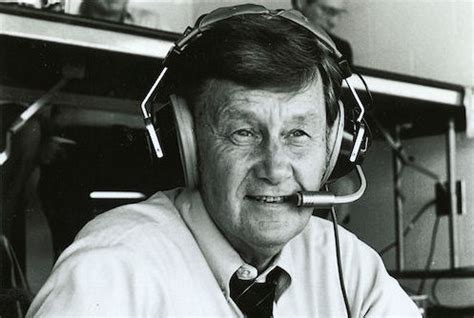 Larry Munson: Remembering the voice of a legend   Sports