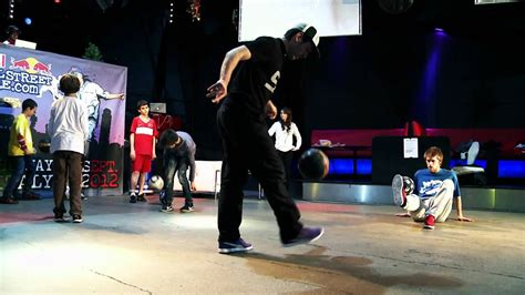 Freestyle soccer workshop - Red Bull Street Style - YouTube