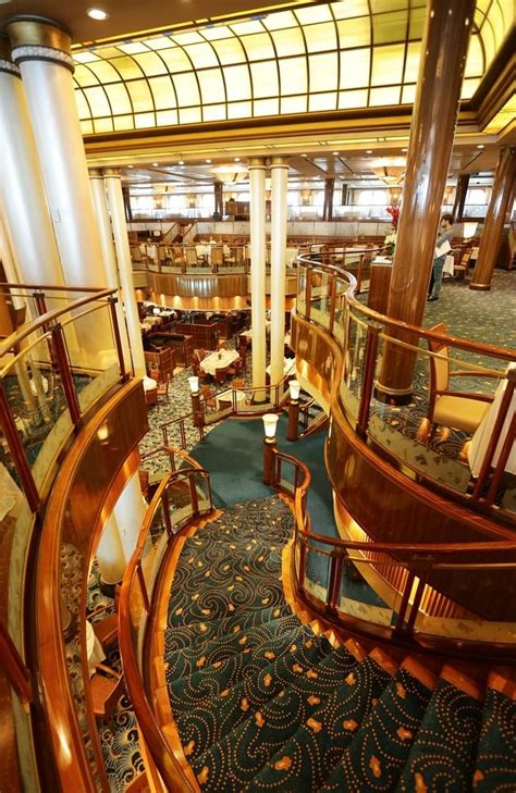 Cunard's luxury flagship liner Queen Mary 2 graces into